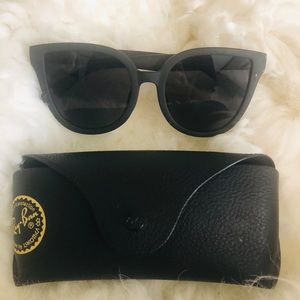 QUAY matte black sunnies